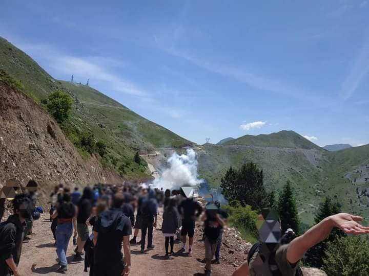 Άγραφα: Πανελλαδική διαδήλωση στον Τύμπανο κατά της εγκατάστασης  ανεμογεννητριών -Συγκρούσεις με τα ΜΑΤ (Φωτογραφίες &video) - ilamia